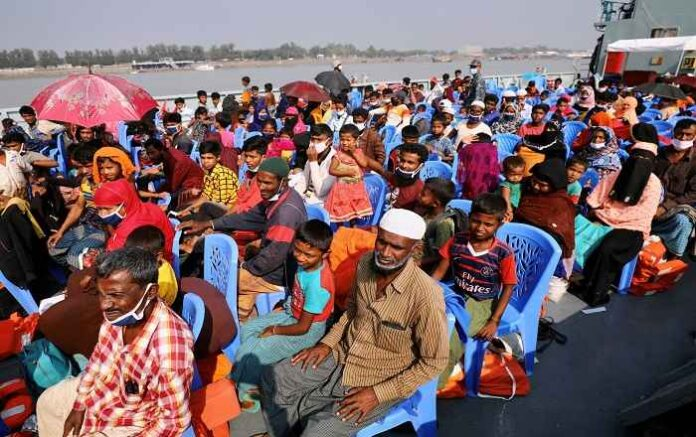 Rohingya refugees en route to the Bangladeshi island of Bhasan Char (File Photo, Image credit: The New York Times)