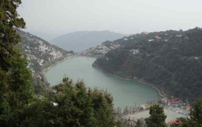 A recently released report suggests that Chamoli flood was not a GLOF. ( A view of Nainital, Uttarakhand, Image courtesy: Harikishore Singh/ Unsplash)