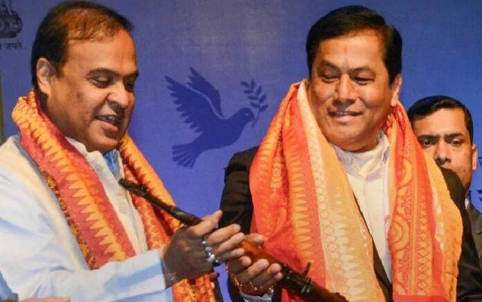 Himanta Biswa Sarma and Sarbananda Sonowal (R) (Image credit: NDTV.com)