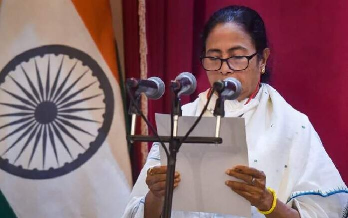 West Bengal chief minister Mamata Banerjee taking oath for the third time (Image credit: NDTV)